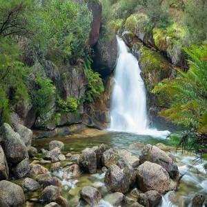 عکس ابشار در طبیعت بسیار زیبا