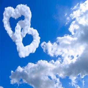 عکس آسمان و قلب های ابری با کیفیت